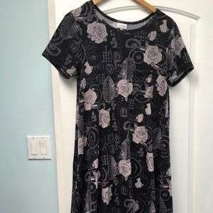 LuLaRoe Dresses - LuLaRoe Carly Small Black Grey roses EUC